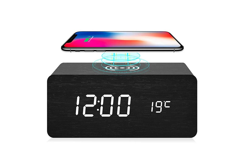 Apple mobile phone alarm clock