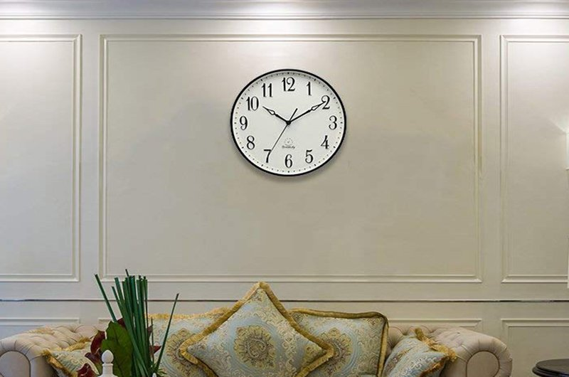Top 10 Best Wall Clocks for Living Room in 2020